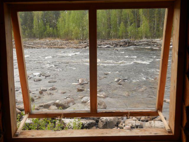 вид на реку из окна бани